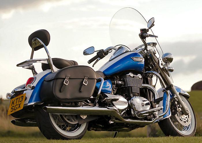 triumph 1700 thunderbird lt 2014 fiche moto motoplanete. Black Bedroom Furniture Sets. Home Design Ideas