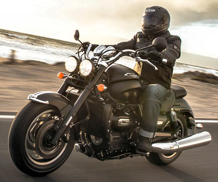 triumph 2300 rocket iii roadster 2015 fiche moto motoplanete. Black Bedroom Furniture Sets. Home Design Ideas