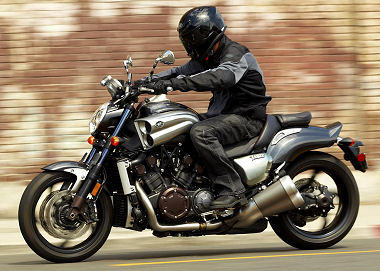 yamaha 1700 v max 2012 essai moto motoplanete. Black Bedroom Furniture Sets. Home Design Ideas