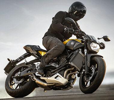 moto Yamaha MT-07 700 2015