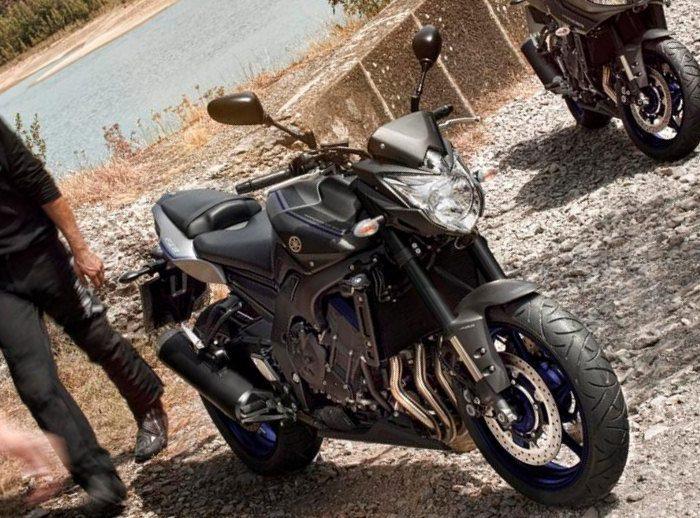Yamaha 800 FZ8 Race Blu 2013 - 5