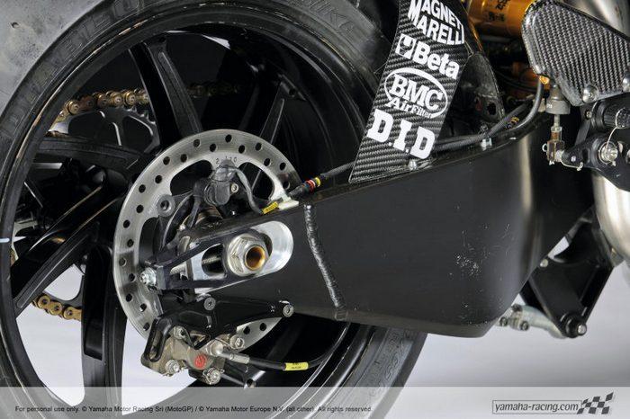 Yamaha YZF-R1 1000 Factory SUPERBIKE 2010 - 29