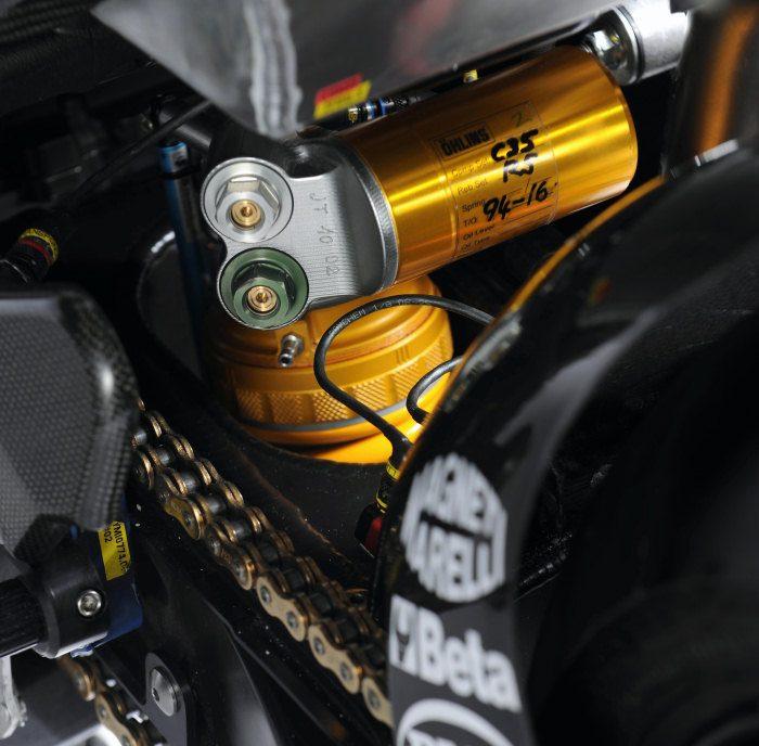 Yamaha YZF-R1 1000 Factory SUPERBIKE 2010 - 35