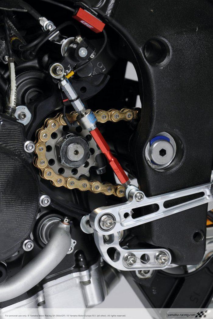Yamaha YZF-R1 1000 Factory SUPERBIKE 2010 - 37