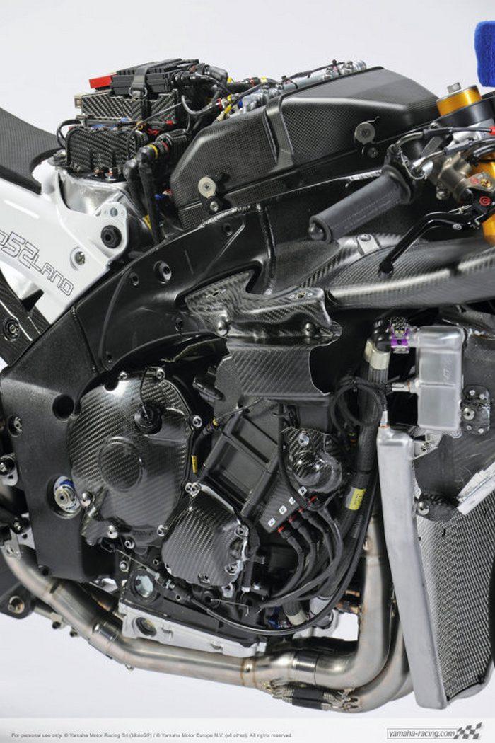 Yamaha YZF-R1 1000 Factory SUPERBIKE 2010 - 38