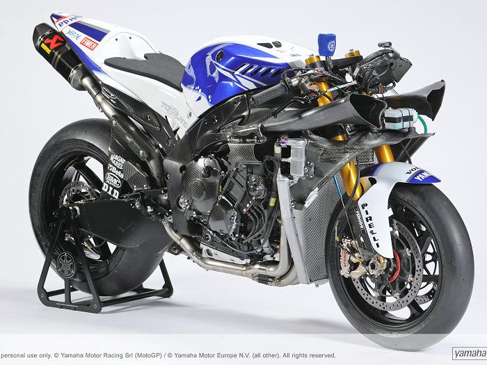 miniature Yamaha YZF-R1 1000 Factory SUPERBIKE 2010 - 34