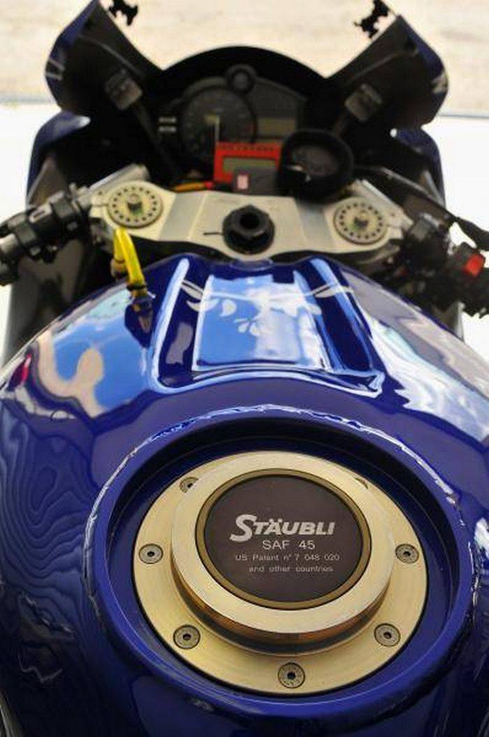 Yamaha YZF-R1 1000 EWC GMT 94 2011 - 9
