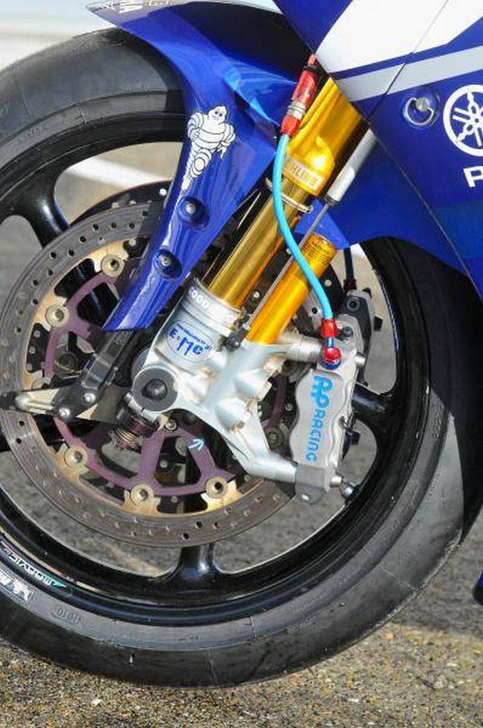 Yamaha YZF-R1 1000 EWC GMT 94 2011 - 6