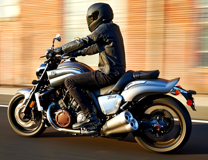 yamaha 1700 v max 2016 fiche moto motoplanete. Black Bedroom Furniture Sets. Home Design Ideas