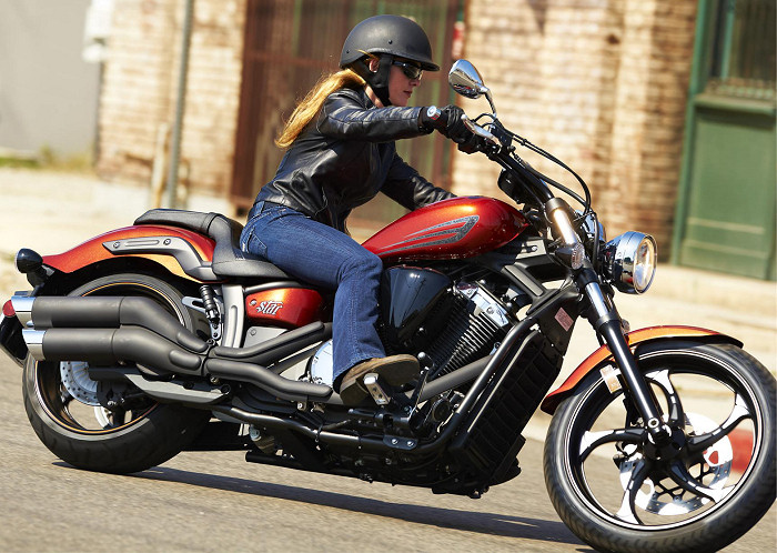 yamaha xvs 1300 custom stryker 2015 fiche moto motoplanete. Black Bedroom Furniture Sets. Home Design Ideas
